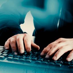 Procuradoria processa internautas que chamaram homossexuais de 'desgraça' e 'aberração'
