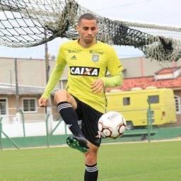 Emprestado pelo Santo André, Volante Dudu Vieira assina com o Vitória