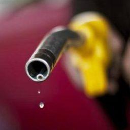 Petrobras anuncia reajuste de R$ 0,10 no preço do diesel