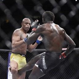 Anderson Silva lesiona o joelho após receber chute baixo e perde para Cannonier no UFC 237