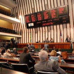 Trinta e dois deputados baianos mudaram de partido nos últimos quatro anos