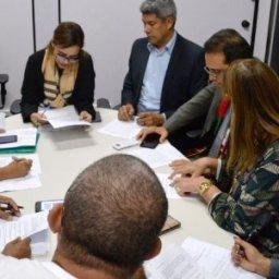 Governo afirma que assinou compromisso com professores para fim da greve