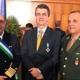 Advogado baiano recebe honraria do Ministério da Defesa