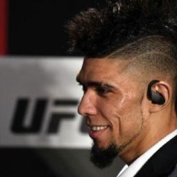 Johnny Walker anuncia camp para o UFC Brasília com treinador de Georges St-Pierre