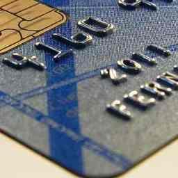 Juros do cartão de crédito e do cheque especial sobem em novembro