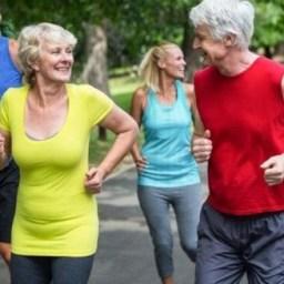 Praticar exercícios físicos ajuda a retardar envelhecimento. Conheça os benefícios!