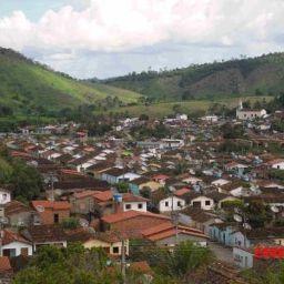 Aiquara: Vereadores denunciam prefeito por desvio de verbas da Educação para pagar festejos juninos; MP investiga