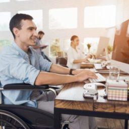 Primeiro Emprego: Governo oferece curso de qualificação profissional para pessoas com deficiência