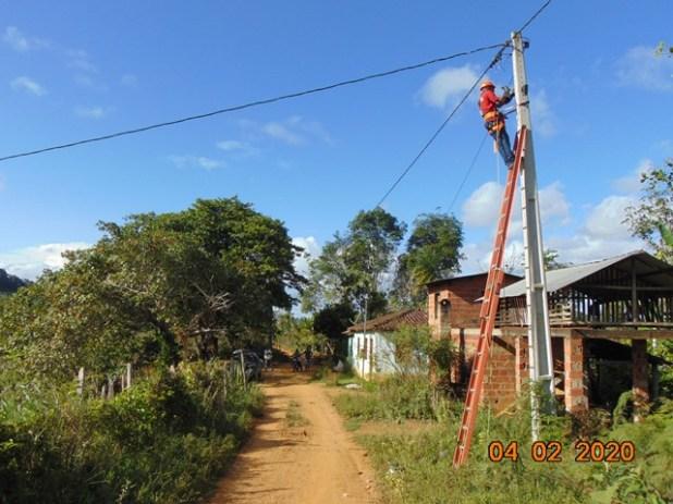 Prefeitura-avan%C3%A7a-com-ilumina%C3%A7%C3%A3o-p%C3%BAblica-na-zona-rural-de-Pira%C3%AD-do-Norte Prefeitura avança com iluminação pública na zona rural de Piraí do Norte