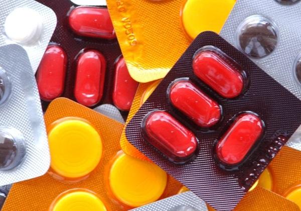 Governo-diz-que-testar%C3%A1-outro-rem%C3%A9dio-contra-coronav%C3%ADrus-eficaz-em-c%C3%A9lulas Governo diz que testará outro remédio contra coronavírus: '93,4% eficaz em células'