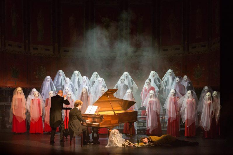 Jean-Philippe Sarkos (Direction), Orlando Bass (piano), Frédéric Le Sacripan (dans le rôle d'Hector Berlioz). Berlioz Le Fantastique. Le Palais Royal.