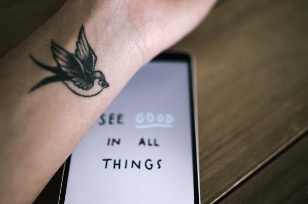 signification tatouage hirondelle