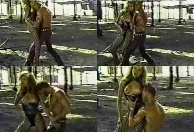 19歳のキャメロン・ディアス(Cameron Diaz)がポルノ女優だった頃の全裸ヌードをご覧ください。