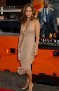 超有名、ワイルドなジェニファー・ロペス(Jennifer Lopez)のセクシーシーン。