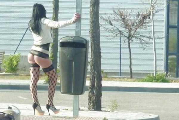 海外の立ちんぼ、つまり売春婦がエロいwww