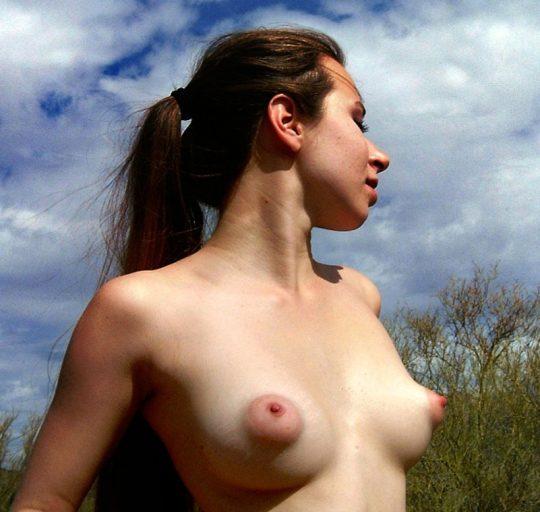 パフィーニップル(puffy nipple)ってエロ過ぎる乳首だと思いませんか?