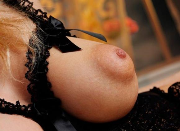 パフィーニップル(puffy nipple)をご覧ください。
