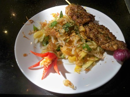 Papaya salad and grilled chicken