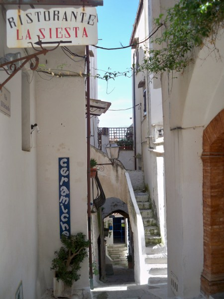 La Siesta this way