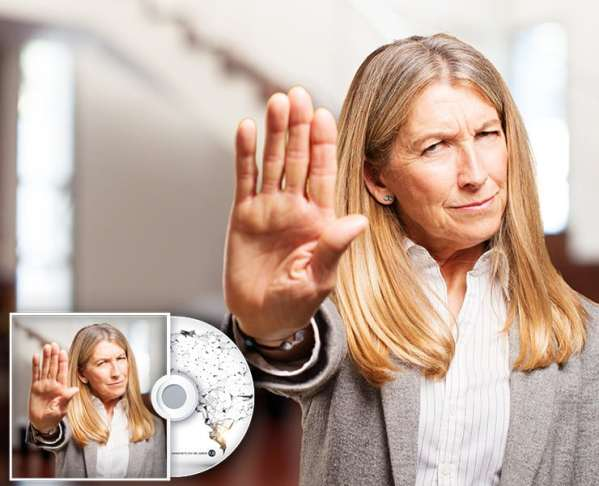 Ältere Frau sagt Stop