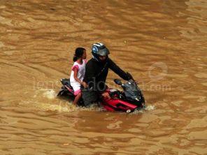 banjir-jakarta-januari-2013-04