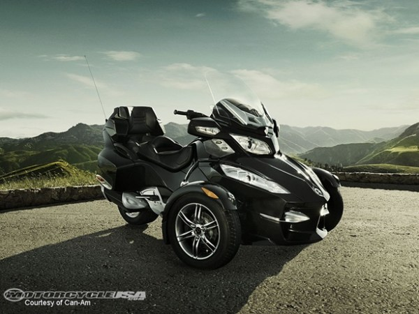 can-am-spyder-rt-01