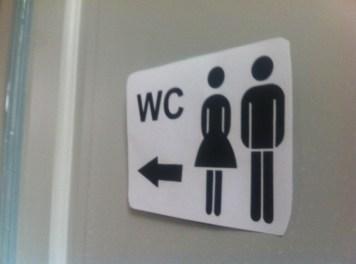Mit Kindern Auf öffentliche Toiletten Nicht Die Klobürste Anfassen