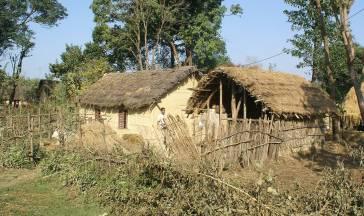Lehmhütten im Süden von Nepal