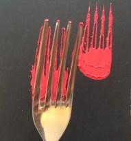 Tulpen mit Fingerfarben mit einer Gabel stempeln