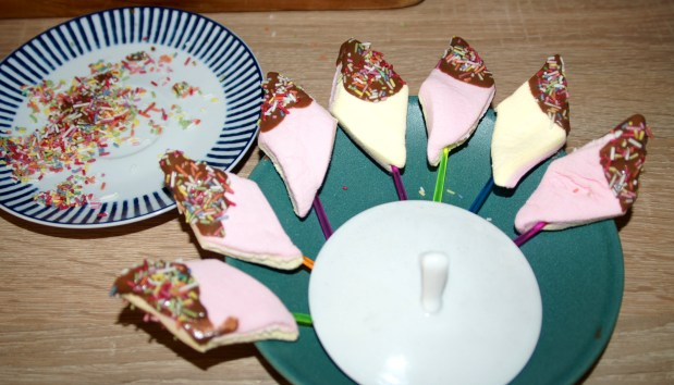 Marshmallows mit Schokohaube der Kracher auf dem Kindergeburtstag!