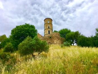 Die Burgruine von Grimaud; Ausflugstipp an der Cote d'Azur