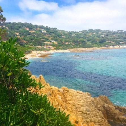 Familienurlaub an der cote D'Azur. Plage de l'EScalet.