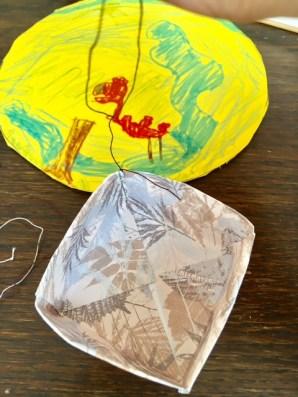 Fesselballo als mobile mit Faltschachtel als Gondel selber basteln - einfache Bastelei auch für Kinder