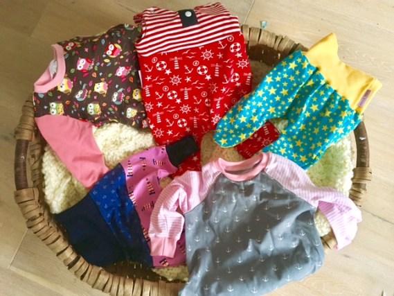Handgenähte Babykleidung von Kleine Könige