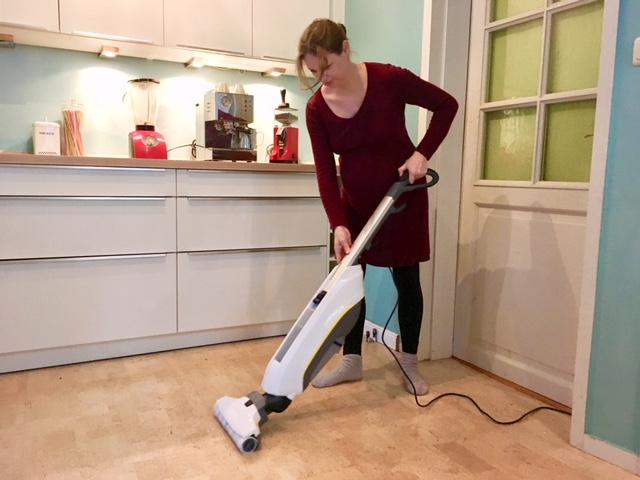 Fußboden Richtig Wischen ~ Mama testet haushaltshelfer saugen und wischen in einem schritt