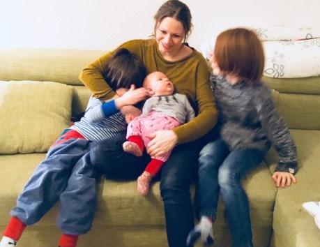 Drei Kinder - ist das mittlere Kind automatisch ein Problemkind? Wie man Sandwichkinder stärkt