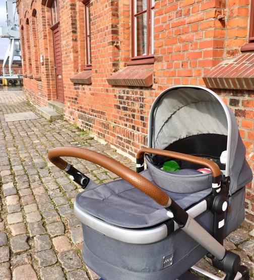 Babyausstattung: Der Kinderwagen Joolz Day2 im Praxistest. Wie wir den perfekten Kinderwagen für unser Baby fanden und die Ausstattung komplettierten. Was uns an dem Modell überzeugt hat #baby #familie #kinderwagen
