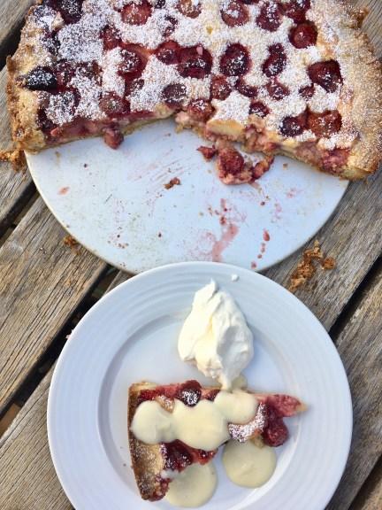 Schwedischer Beerenpaj - schnell gebacken mit Waldbeeren, blaubeeren oder Erdbeeren. Ein schneller Paj aus Schweden.