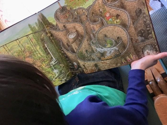 Buchtipp wimmelbuch von sven nordqvist für Kinder und Eltern.