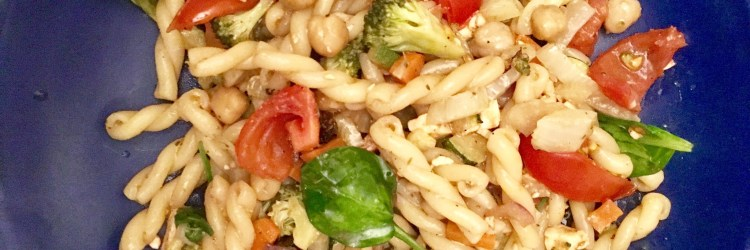 Schnelles Rezept für Nudelsalat mlt ofengemüse