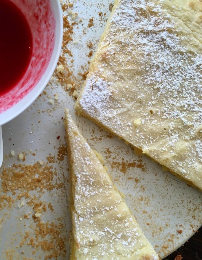Rezept für weißen Kladdkaka - schwedischer Schokokuchen mit weißer Schokolade