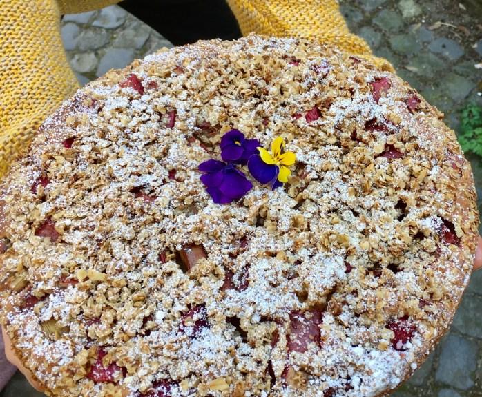 Rhabarberkuchen Rezept aus Schweden mit Streuseln aus Haferflocken