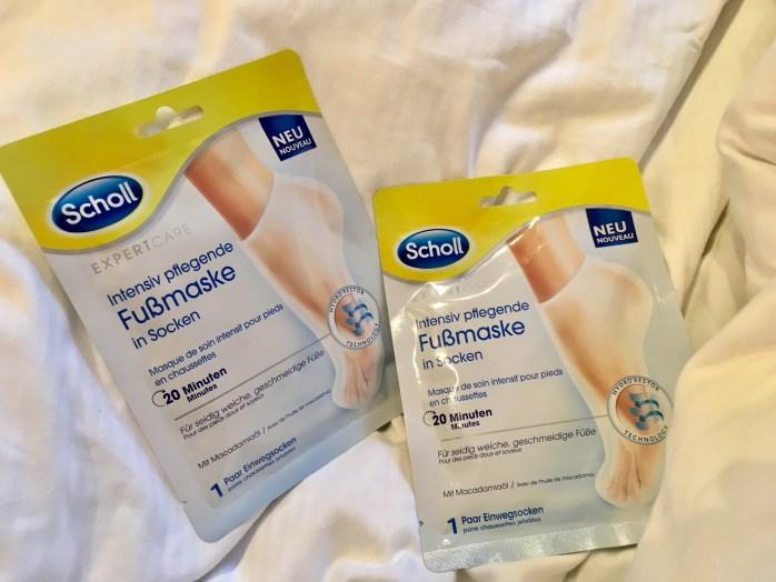Füße geschmeidig pflegen mit der Fussmaske von scholl