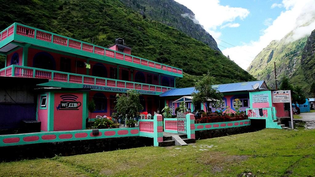 Guesthousy na Annapurnie przypominają domki dla lalek Barbie :-)