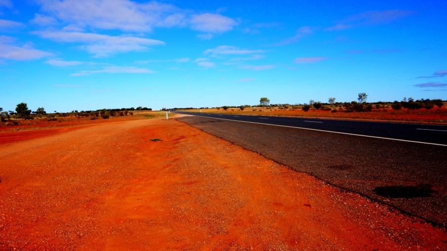 Z Alice Spring pod Uluru