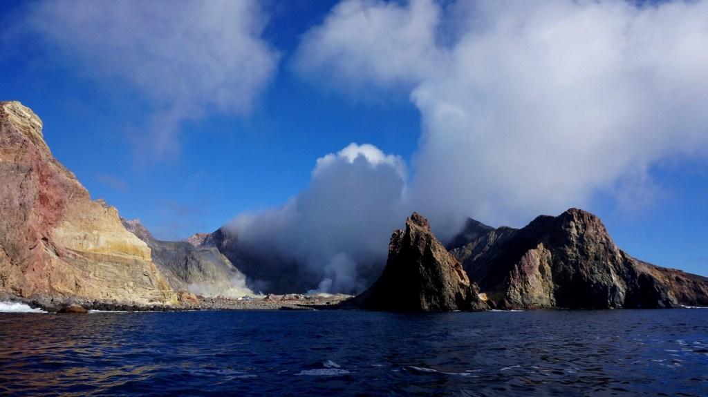 White Island, widok z łodzi