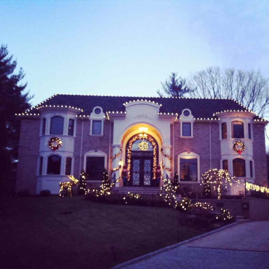 Christmas & Holiday Lights Design And Installation For
