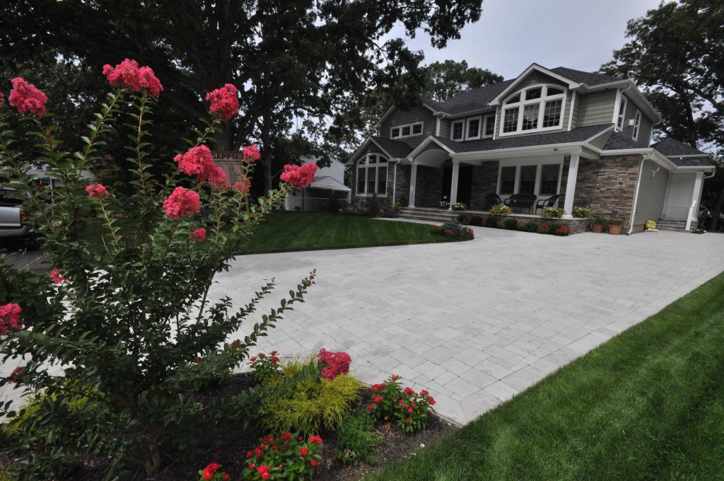 new houses built in Commack ny