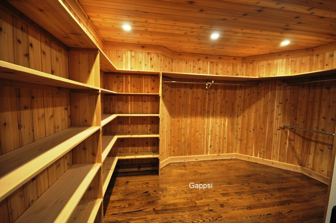 Attractive ... And Then Glued And Stapled To The Wall Studs. The Floor Is Made Of Oak  Planks, Shelves And Ceiling Are Also Made Of Cedar Wood Panels With Natural  Nuts.