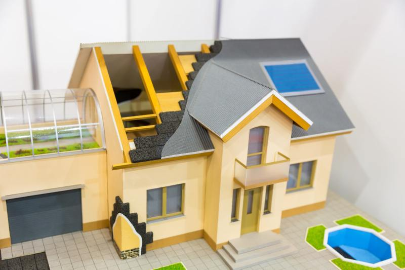 Model of house, thermal insulation of roof concept